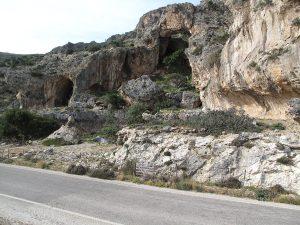 Ehemalige Küstenlinie nach Anhebung von Kreta um 9 Meter