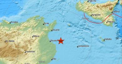 Leichtes Erdbeben unter dem Mittelmeer vor Sousse nahe der Kuriat-Inseln (M3.4)